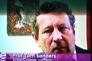 Tom Sanders BBC One Show September 8 2008 tells us about spoon benders - his term for nutritionists